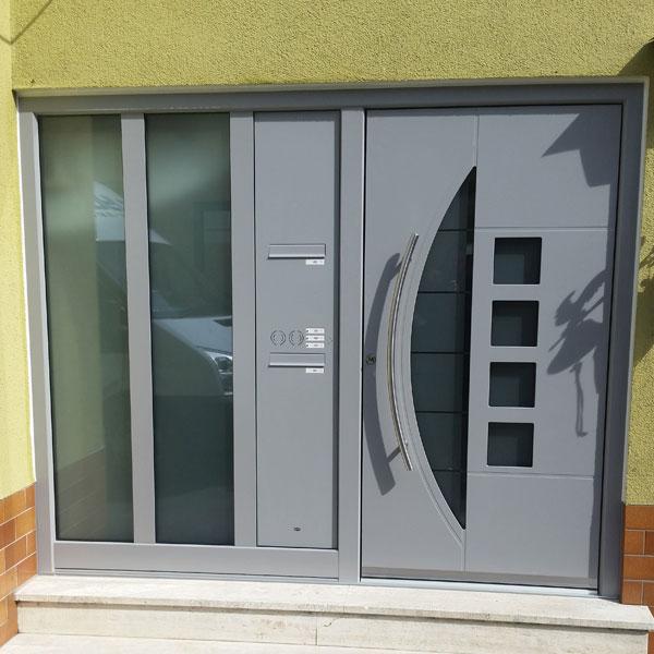 Hochwertige Haustür aus Aluminium mit feststehendem Element Region Bensheim