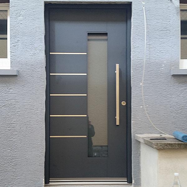 Haustür aus Aluminium in der Farbe Anthrazit Region Heppenheim